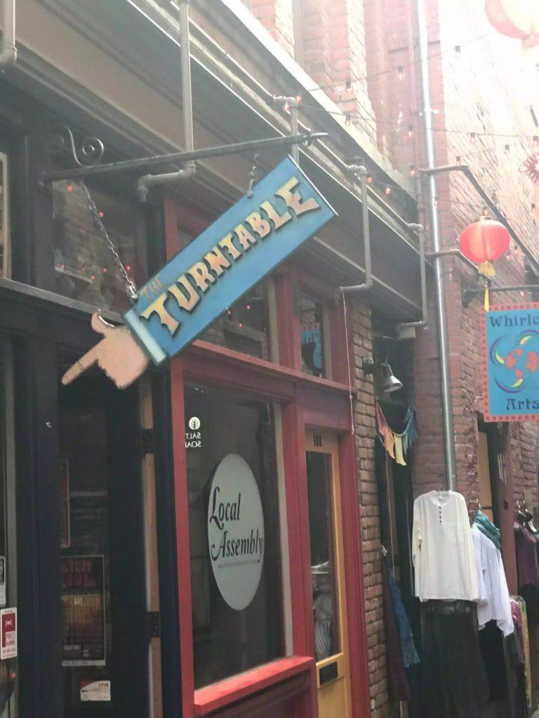 Chinatown's Fan Tan Alley